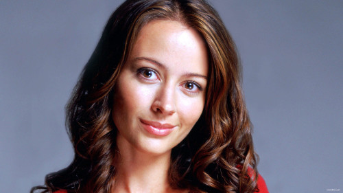 NA_AMY_ACKER_SMILE
